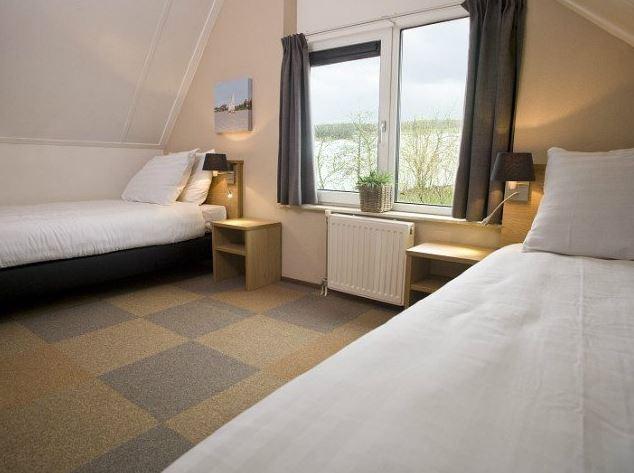 Slaapkamer Met Eenpersoonsbedden In Vakantiepark